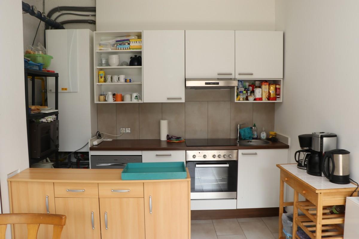 Blick in die Küche des Bungalows
